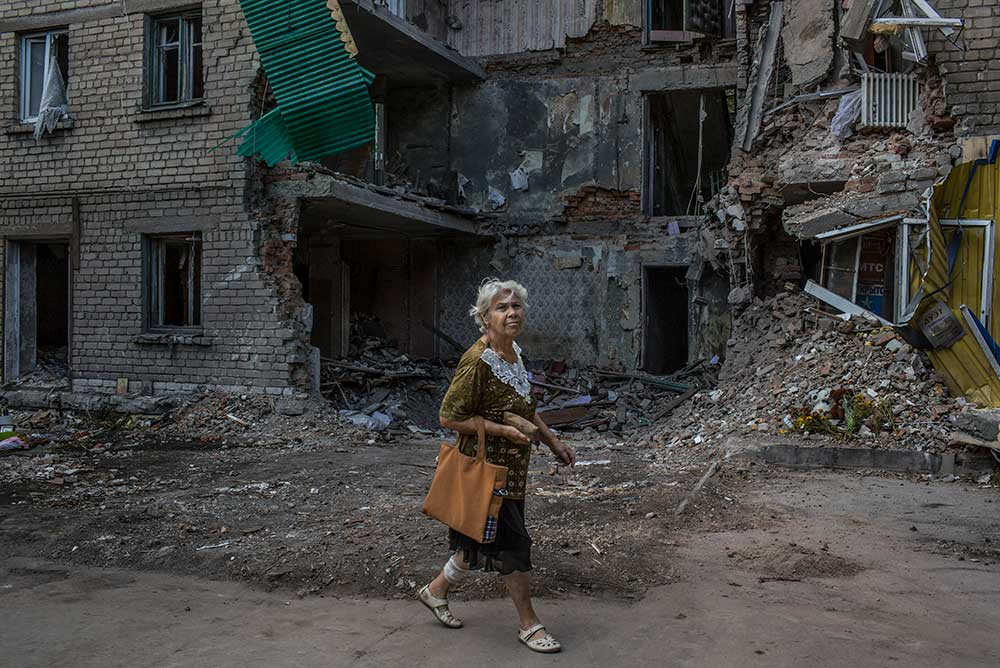 After a rocket attack in Snizhne, Ukraine, 2014.